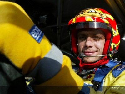 Rossi romps to rally retention