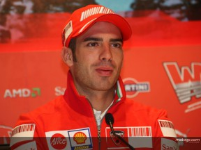 Melandri looking forward to racing in Ducati red