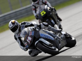 De Puniet opens 2008 with aplomb in Sepang