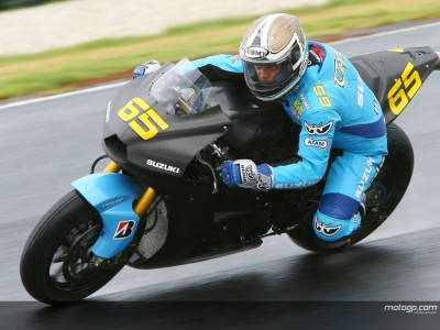 Capirossi undertakes first Rizla Suzuki wet run