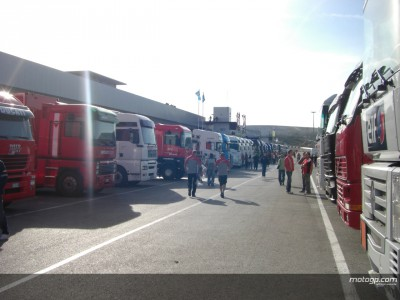 Saturday action at Jerez commencing under clear blue skies
