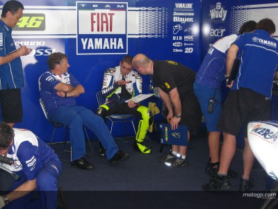 Rossi sets the early Jerez pace