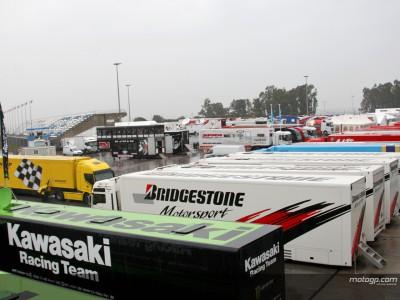 La segunda jornada en Jerez empieza con lluvia