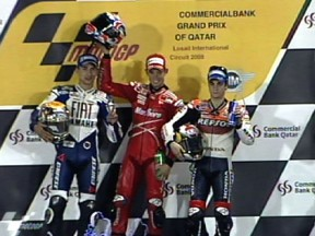 Stoner opens title defence with dramatic victory in Losail