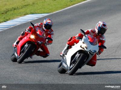 Los pilotos de MotoGP prueban la nueva goma de Bridgestone para motos de calle