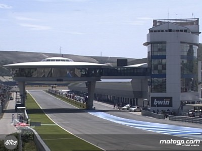 Jerez warms-up for Saturday qualifying sessions