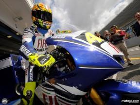 Rossi da prioridad a la mejora del paquete Yamaha-Bridgestone