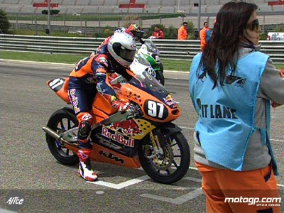 Red Bull MotoGP Academy Duo feiert Debüt in der spanischen Meisterschaft