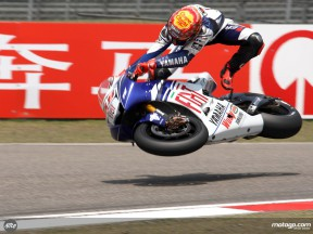 Lorenzo examined for ankle fracture after Shanghai high side