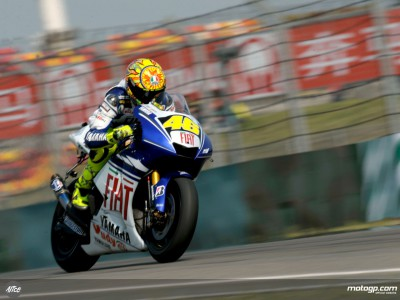 Rossi announces return to winning ways with China triumph