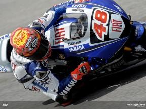 Lorenzo saca provecho de los ajustes hechos en su Yamaha