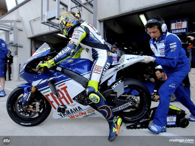 Rossi upbeat despite rain at homecoming