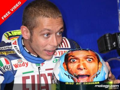 Rossi estrena un nuevo y divertido casco en Mugello
