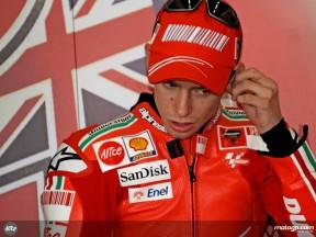 Stoner, cuarto en Catalunya, Melandri sigue con problemas