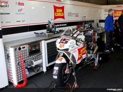 De Angelis and Nakano enjoying early work in Assen