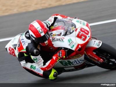 Simoncelli frena el ataque de la escuadra española en los libres de 250cc