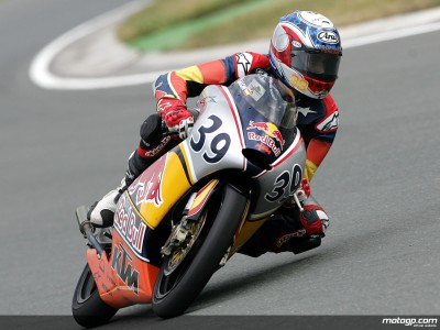 Salom on Sachsenring Red Bull MotoGP Rookies Cup pole