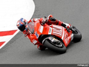 Stoner dominates in Sachsenring for fourth consecutive pole position