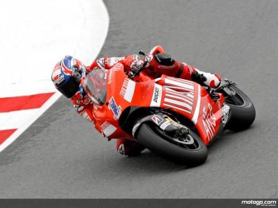 Stoner marca diferencias en Sachsenring con su cuarta pole consecutiva