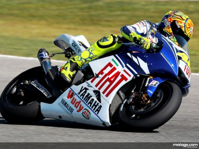 Rossi snatches early advantage from Stoner in first Brno session