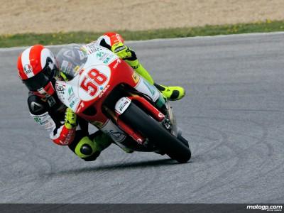 Marco Simoncelli primo a Brno nelle libere della 250
