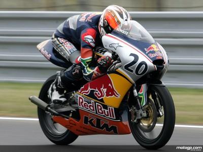 Red Bull MotoGP Rookies: Scholtz dominates in the rain