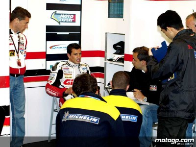 LCR Honda expect to retain De Puniet in 2009