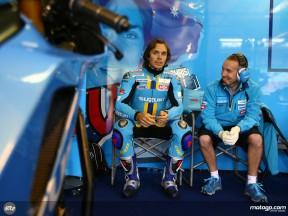 Mixed fortunes for Rizla Suzuki trio in Friday rain