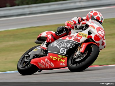 Barbera leads first dry 250cc IMS session