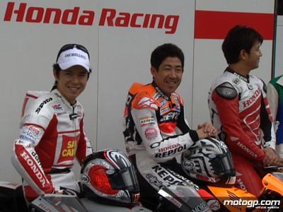 Japanese riders lock horns in mini bike warmup at Motegi