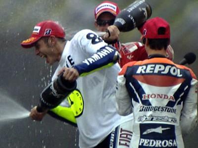 Rossi remporte son sixième titre MotoGP en s'imposant au Motegi