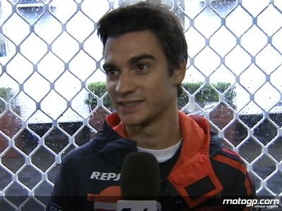Pedrosa termina 6º en la primera jornada, Hayden el más rápido bajo la lluvia