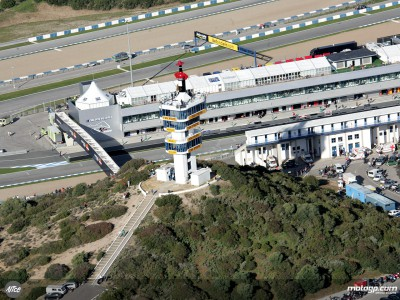 Late start for eight riders on day two in Jerez