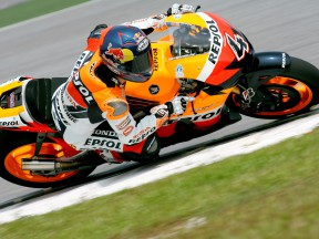 Dovizioso confident after first 2009 test