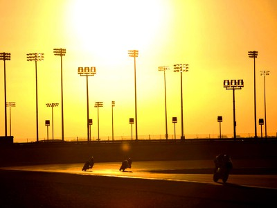 MotoGP returns to Qatar floodlights for second test of 2009
