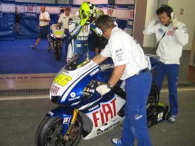 Rossi leads the way early on second evening at night test