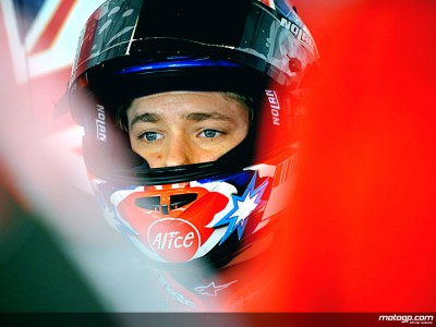 Last evening at Qatar sees Stoner set the pace in early running