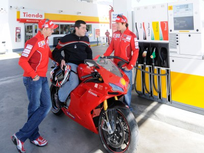 Stoner and Hayden make Madrid pit stop