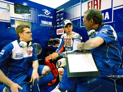 Lorenzo unhappy about pace on race tyres