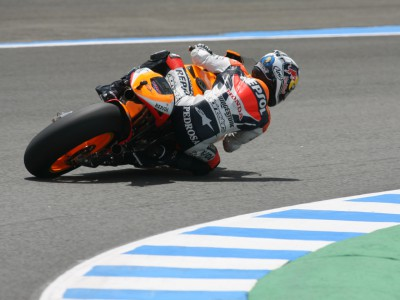 Pedrosa steps up a level in early run