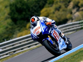 Lorenzo on top form in Jerez qualifying run