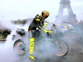 Rossi infiamma Parigi