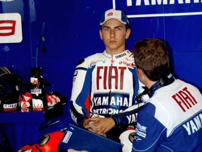 Lorenzo: 'Demasiado pronto para hablar de la carrera'