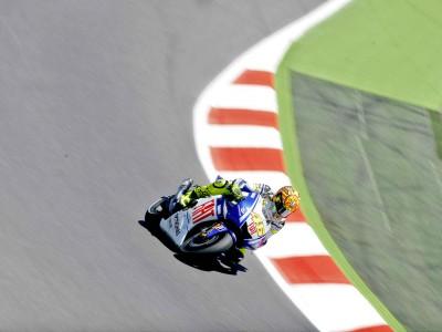 Gran arranque de los pilotos del Fiat Yamaha en el circuito de Catalunya