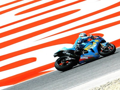 Suzuki pair review day one in Barcelona