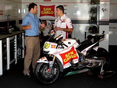 Jiménez explica la Honda RC212V de Elías