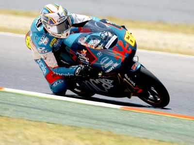 Simón heads 125cc grid at round six