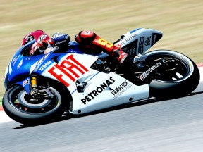 Solving traction control problem key to pole for Lorenzo