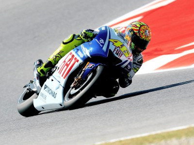 Rossi takes initiative in Sunday morning practice