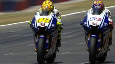 Tutto quello che non avete visto sulla sfida Rossi-Lorenzo su motogp.com